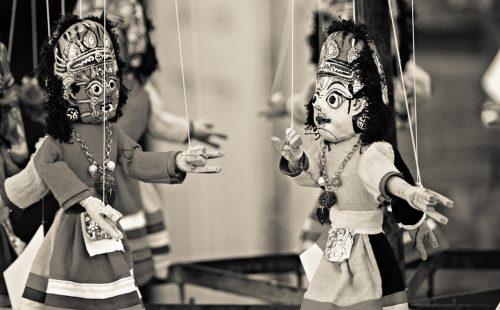 Bist du eine Marionette?