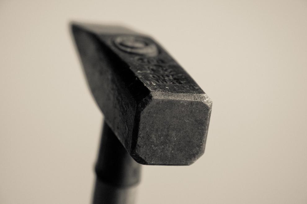 Haben ein Hammer und dein Freund etwas gemeinsam?